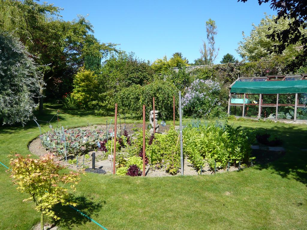 Round Vegetable Garden
