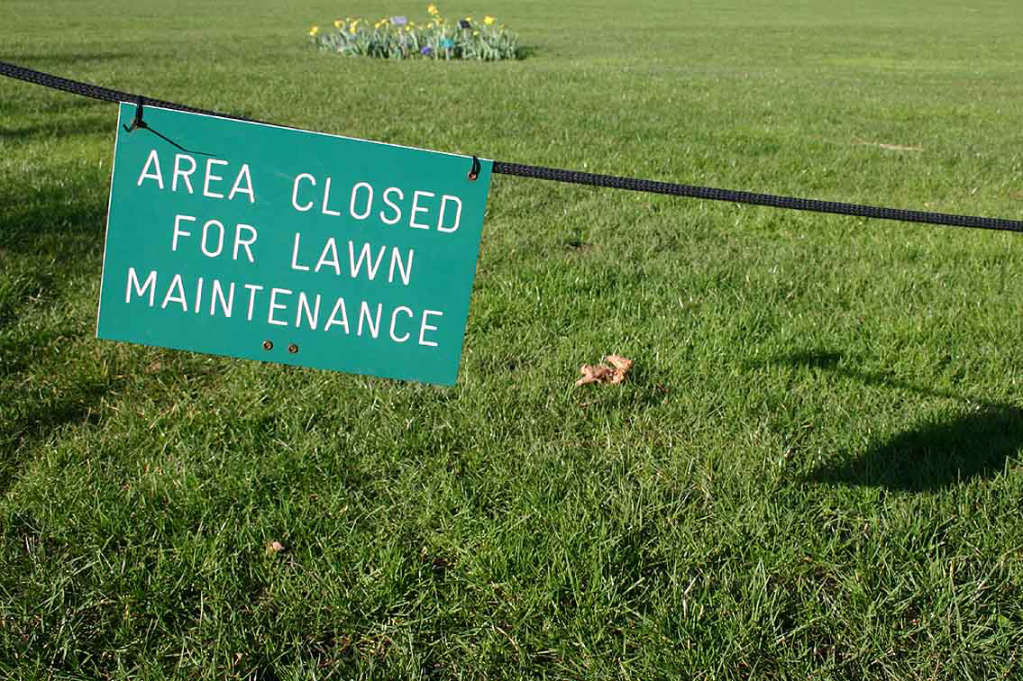 Lawn Closed Sign